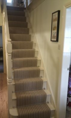 Stair runner carpet with rods
