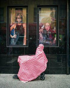 Mummy. #streethunters #streetphotography #streettogs #nystreetphotography #nycspc #upsp #urbanphotography