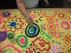 making art together  collaborative circle painting