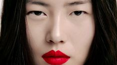 Liu Wen, The Beauty Model: A-Z of Beauty directed by Daniel Sannwald for i-D Beauty Shots, My Beauty, Asian Beauty, Beauty Makeup, Bright Red Lipstick, Lipstick Colors, Geisha Art, Memoirs Of A Geisha, Fashion Model Poses