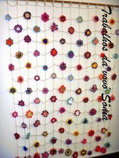 Trabalhos da vovó Sônia: Cortina-painel de flores Sylvia - crochê