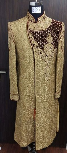 Men's Sherwani 2018 Sherwani For Men Wedding, Sherwani Groom, Mens Sherwani, Pakistani Wedding Outfits, Indian Outfits, Wedding Day Dresses, Wedding Dress Patterns, Red Lehenga, Lehenga Choli