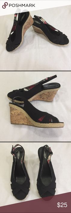 """🌺🌺Seychelles cork and rope black wedges 🌺🌺Seychelles cork and rope black wedges. These are NWOT-never worn. Super comfy-canvas upper and cork/rope wedge. 3 3/4"""" High with 3/4"""" support in the front. Seychelles Shoes Wedges"""