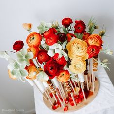 Aranjament cu ranunculus pentru nunta sau botez By RoseGold Events Ranunculus, Concept, Table Decorations, Flowers, Home Decor, Decoration Home, Room Decor, Persian Buttercup, Royal Icing Flowers
