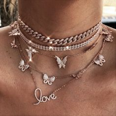 Image shared by ᴠᴇʀᴀ ᴍᴏɴᴛᴀɴᴀ ☾. Find images and videos about girl, jewelry and necklace on We Heart It - the app to get lost in what you love. Cute Jewelry, Jewelry Accessories, Fashion Accessories, Fashion Clothes, Lily Jewelry, Prom Jewelry, Fashion Jewelry Necklaces, Fashion Pants, Women Jewelry
