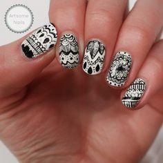 Zentangle nail art by ArtsomeNails