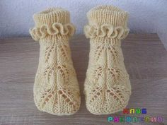VK is the largest European social network with more than 100 million active users. Knitted Booties, Knitted Slippers, Knitting Socks, Hand Knitting, Easy Knitting Patterns, Crochet Socks Pattern, Crochet Baby Shoes, Crochet Flowers, Knit Patterns