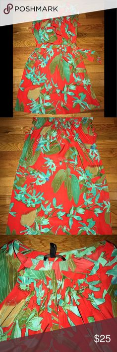 Jessica Simpson floral print dress Large floral print sleeveless ruffles dress Gathering in front with Slit neck line. Jessica Simpson Dresses Midi