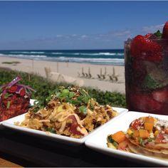 Happy hour by the beach @Four Seasons Resort Palm Beach