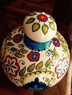 Garrafa em cerâmica pintada por Karin Rauffus!