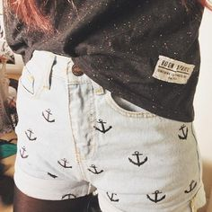 Love these Anchor Shorts! perfect to pair with a plain flow-y button up top and a pair of Converse or sandals and head to the beach!