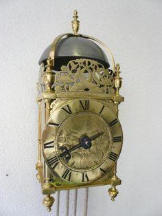 No. B. 3. Vroege Engelse lantaarn klok - Schreurs klokken