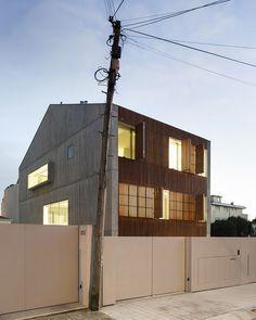 AZO-sequeira-arquitectos-associados-house-in-bonfim-porto-portugal-designboom-02