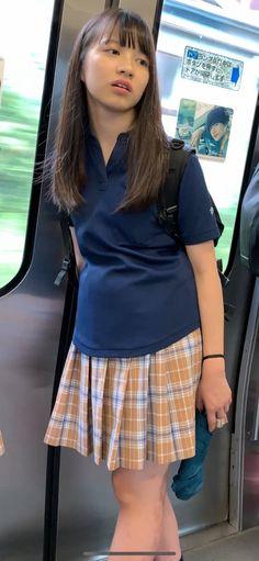 School Uniform Fashion, Japan Girl, Beautiful Asian Girls, Girl Pictures, Blouse, Womens Fashion, Shirts, Tops, Train
