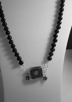 collar isidora #3258   valor $5000  pedidos a caroltolg@hotmail.com o realiza tu compra en www.joyascaroltolg.ecarty.com Dog Tags, Dog Tag Necklace, Collar, Red, Black, Jewelry, Fashion, Shopping, Chokers