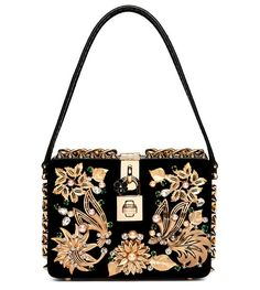 Timeless elegance characterizes the best bags for Winter, whether through faraway inspiration, an era revisited, natural leather and  graphic luxury skins, metallic details or the season's dominant colors of black, gray and red. Think high style with fun finishing touches, as we celebrate the new-season trends.