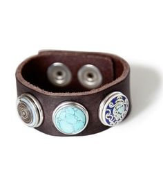 Noosa :Wrap Bracelet Classic - Darkbrown (01) S with hundreds of chunks to change your bracelet.