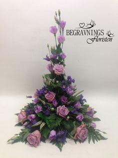 Funeral Floral Arrangements, Modern Flower Arrangements, Decoration Table, Table Centerpieces, Cascade Bouquet, Gladiolus, Arte Floral, Silk Flowers, Flower Designs