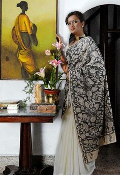 In Style-m: Alpona On Fabric: Exquisite Kantha Embroidery: floral relief embroidery by SHE of Shamlu Dudheja