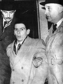 Convicted killer Timothy John Evans, hanged for murdering his baby daughter, though there were subsequently grave doubts about the justice of the conviction. Later it was discovered that the murder was committed by John Reginald Christie Criminal Justice, Criminal Minds, John Evans, Natural Born Killers, Evil People, Criminology, Interesting History, Serial Killers, British History