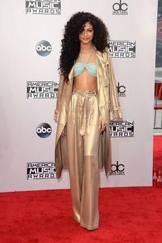 Pin for Later: Seht hier alle Stars auf dem roten Teppich bei den American Music Awards! Zendaya Coleman