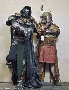"Steampunk Doom and Fett - is that a ""utilikilt"" that Fett is wearing? Looks like one to me! Steampunk Book, Steampunk Cosplay, Steampunk Fashion, Boba Fett Cosplay, Dapper Gentleman, Best Cosplay, Awesome Cosplay, Dieselpunk, Cosplay Costumes"