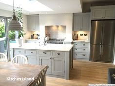 Island with sink, layout, drawer cups mounted on square… kitchen island Kitchen Family Rooms, Living Room Kitchen, Home Decor Kitchen, Kitchen Interior, New Kitchen, Home Kitchens, Kitchen Ideas, Kitchen White, Kitchen Colors