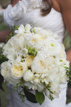 Find your perfect bouquet for your wedding day at Shannon's Custom Florals. Wedding Flowers Springfield MO, Branson, MO, Eureka Springs and the surrounding areas. Rose Wedding Bouquet, White Wedding Bouquets, Bride Bouquets, Rose Bouquet, Wedding Flowers, Fall Flowers, Wedding Blog, Our Wedding, Dream Wedding