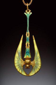 Nouveau Bat pendant by Richsrd McMullen, in Art Nouveau style. 18k gold, basse-taille and champleve enamel  https://www.facebook.com/124982770870436/photos/a.910717345630304.1073741929.124982770870436/1018971464804891/?type=3