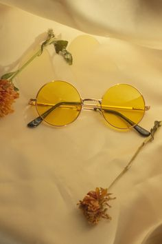 Yellow Tint Round Frame Sunglasses - Sugar + Style A thin metal rose gold frame in a medium circle shape lens with a yellow tint. Perfect for festival season, or making your darker days a little lighter. Yellow Aesthetic Pastel, Orange Aesthetic, Rainbow Aesthetic, Aesthetic Colors, Aesthetic Collage, Aesthetic Vintage, Aesthetic Photo, Aesthetic Pictures, Aesthetic Drawings