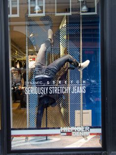 Denim Window Display, Window Display Design, Pop Display, Shop Window Displays, Store Displays, Retail Windows, Store Windows, Clothing Store Design, Visual Merchandising Displays