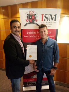 Mohsin Durrani with Waynne Dinner Digital Marketing Guru Presenting Certificate on the completion of Digital Marketing Essential Training at Instutute of Sales & Marketing