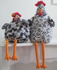 Vanecroche e patch: galinha de tecido