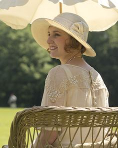 Downton Abbey, Edith.