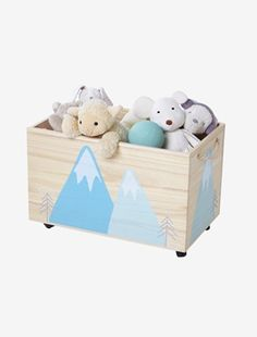 This wheeled storage chest is beautiful, but also very practical... little ones can tidy away all their bits and bobs in no time at all! SIZE: H 35 x L 58 x D 35 cm. Silk-screen printed arctic motifs on all 4 sides. Fitted with 4 metal wheels, 2 of which are self-locking. Rope handles so it can be moved more easily. WHAT YOU NEED TO KNOW: Self-assembly. Paulownia wood. ;