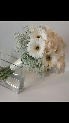 Bouquet of roses, germini and gypsophila