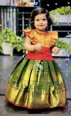 Kids Party Wear Dresses, Kids Dress Wear, Kids Gown, Dresses Kids Girl, Baby Dresses, Girls Wear, Girls Frock Design, Baby Dress Design, Baby Frocks Designs