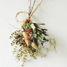 お正月飾り New year flower wreaths もっと見る