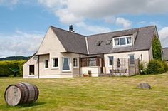 Drumarbin - Holiday Cottage Rental in Evanton near Inverness Salmon Fishing, Inverness, Shed, Cottage, Outdoor Structures, Cabin, House Styles, Places, Holiday