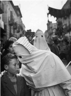Enzo Sellerio. Carnival. Sicily
