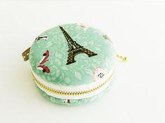 macaron coin purse/ Eiffel Tower Paris/ lace/macaroon