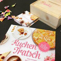 Neuer Verkaufsraum neues Buch. Wir haben am Donnerstag bei @kuchentratsch vorbeigeschaut und vieles erfahren rund um die backenden Omas. Mehr dazu auf dem Blog. #kuchentratsch #laden  #munich #münchen #buch #backen #backbuch #book #baking #shop