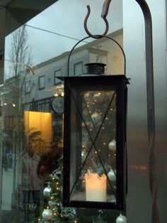 Window Shopping in Holland.Alma Schouman's blog