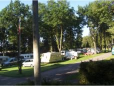 Intercamping Großbreitenbach, 22 euro, 16 amp., 120 toerplaatsen, 40 jaarplaatsen.