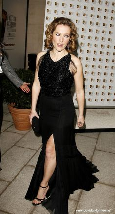 Gillian-Anderson-Feet-610426.jpg (882×1650)