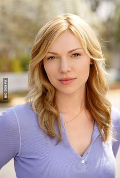 Laura Prepon looks much different here than her character in Orange Is The New Black.