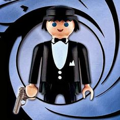 Who says that Playmobil People are only for kids? If you had a not-so cool childhood and don't know what Playmobil People are, they are human toy figures t Beatles, Lego Tv, Playmobil Toys, Toy People, Toy Display, Realistic Paintings, Art Graphique, James Bond, Projects For Kids