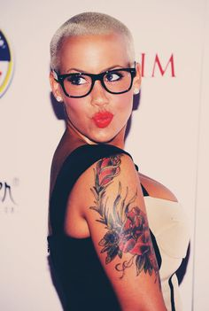 Amber Rose - i wish i could look this pretty with my head buzzed!