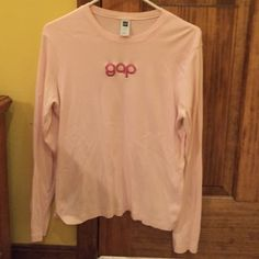 Gap long sleeve baby pink tee This top has a nice feel to it. It is in perfect condition and super versatile. Smoke free home. Make me an offer! I am flexible on prices. GAP Tops Tees - Long Sleeve