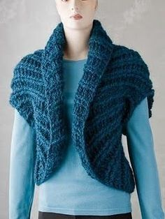"Boleros easy crochet shrug - Looks a lot like Mary Jane Hall's ""Easy Shrug"" in Positively Crochet. Easy Crochet Shrug, Gilet Crochet, Crochet Jacket, Crochet Cardigan, Crochet Shawl, Knit Crochet, Crochet Shrugs, Pull Grosse Maille, Knitting Patterns"